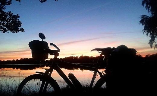 cycling_in_love-blog_sul_cicloturismo-in_viaggio_a_capo_nord-viaggi_in_bicicletta-foto_tramonto