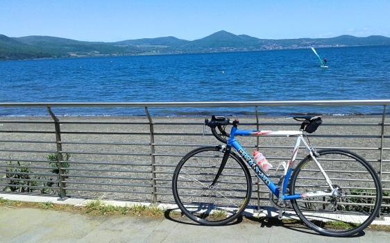 cycling_in_love-lazio_in_bicicletta-giro_del_lago_di_bracciano_in_bici