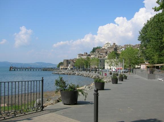 lago_di_bracciano-blog_ciclismo-giro_del_lago_di_bracciano_in_bicicletta-lungolago_di_anguillara_sabazia