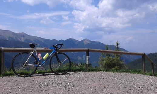 cycling_in_love-passi_di_montagna-passo_manghen_in_bicicletta_cima-manghen