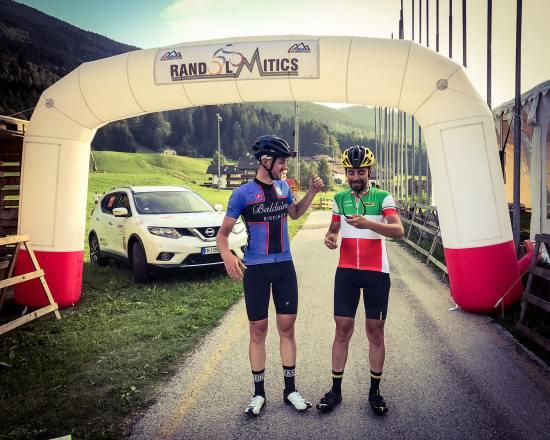 cycling-in-love_percorsi-della-randolomitics-val-di-fiemme_randonnee-in-montagna_omar-di-felice