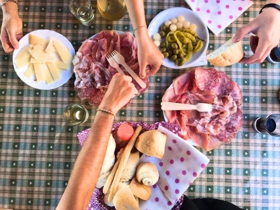 cycling_in_love-trattoria_da_teresa_faedo-gastronomia_colli_euganei-trattoria_colli_euganei-salumi_e_formaggi_colli_euganei