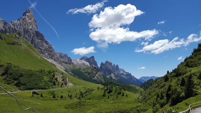 passo-rolle-panorama_pale-di-san-martino_trentino-orientale